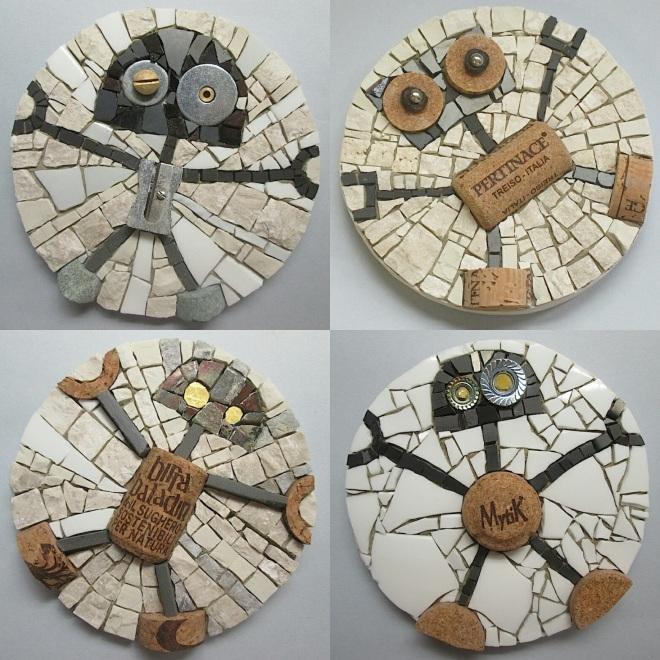 Gruppo di 4 rolling stone robots
