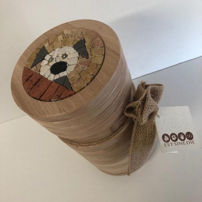 Urna legno con intarsio cane