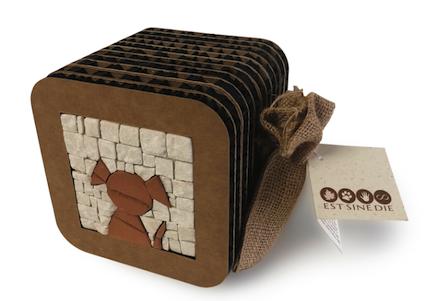 Dog, mosaico stilizzato inserito in urna di cartone