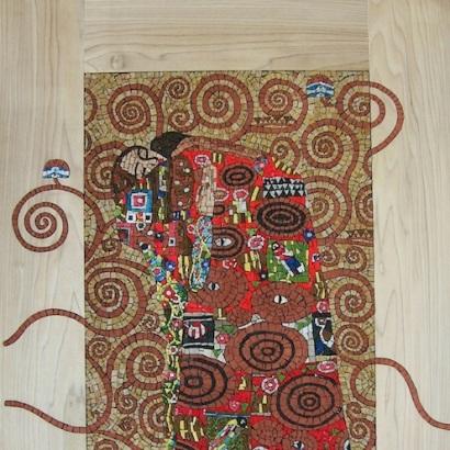 L'abbraccio, omaggio a Klimt