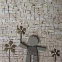Bimbo con fiore 17x17x3 (cm)