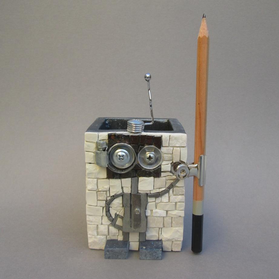 Little robot, penholder