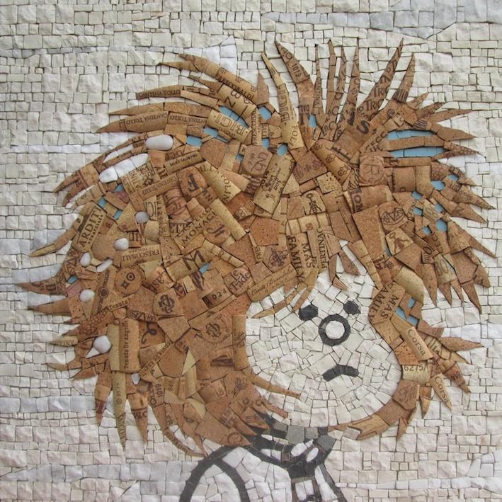 Omaggio a Mafalda con tessere di marmo e tappi di sughero