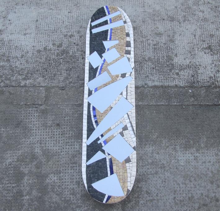 Specchio su skateboard