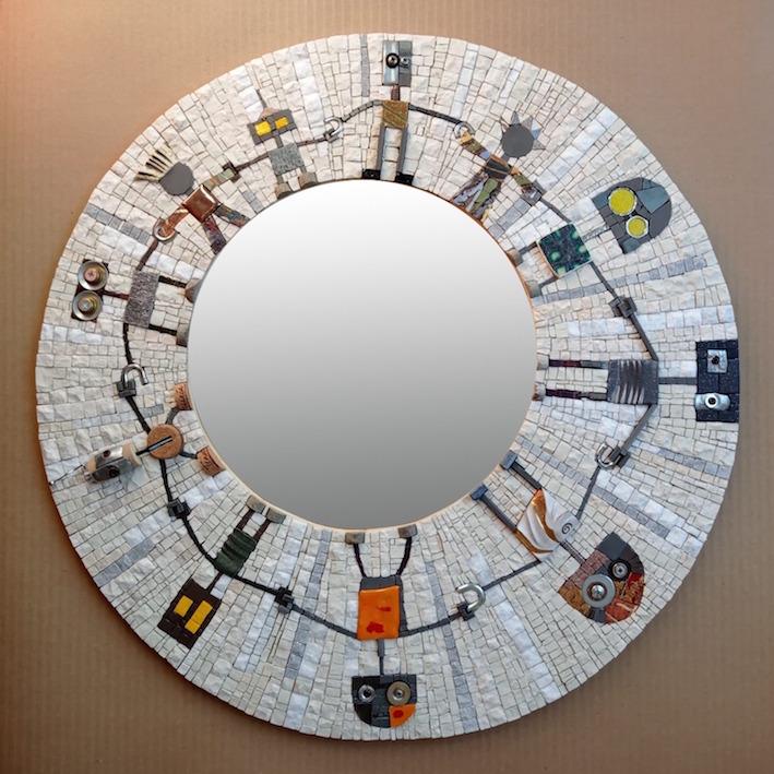 round mirror, art robots